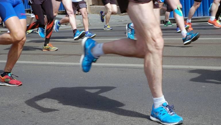Attaque medio-pied ou par le talon ?